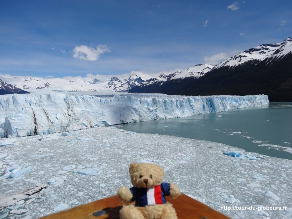 Argentine - El Calafate - Charlie devant le glacier Perito Moreno
