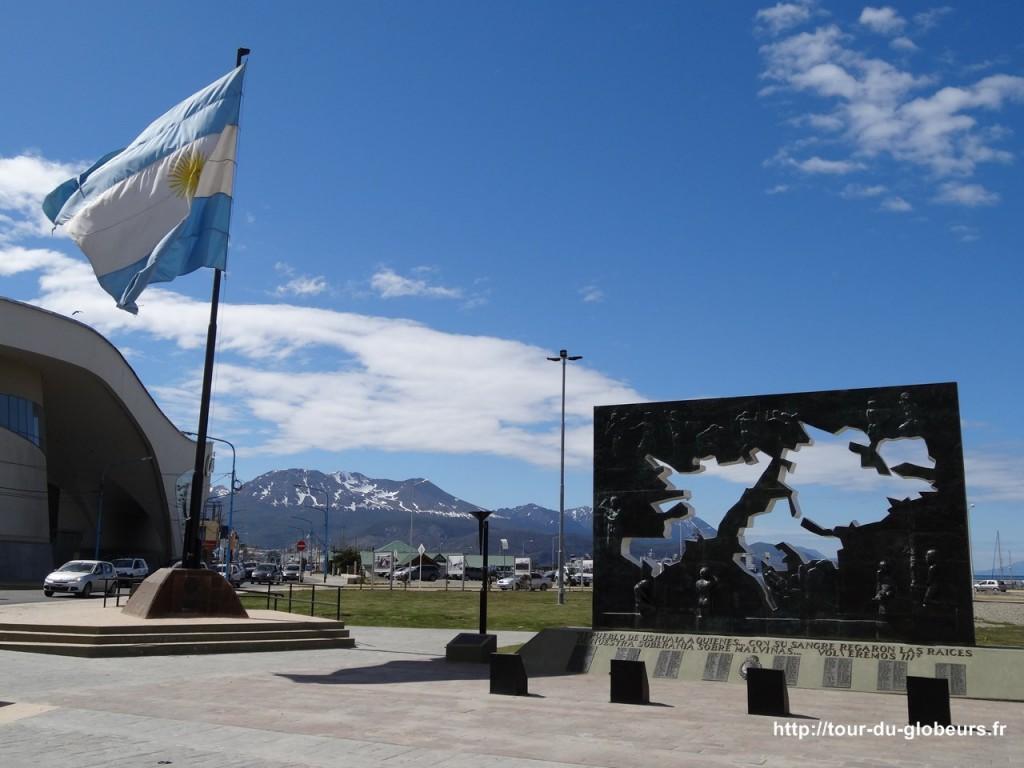 Argentine - Ushuaïa - Monument de la guerre des Malouines