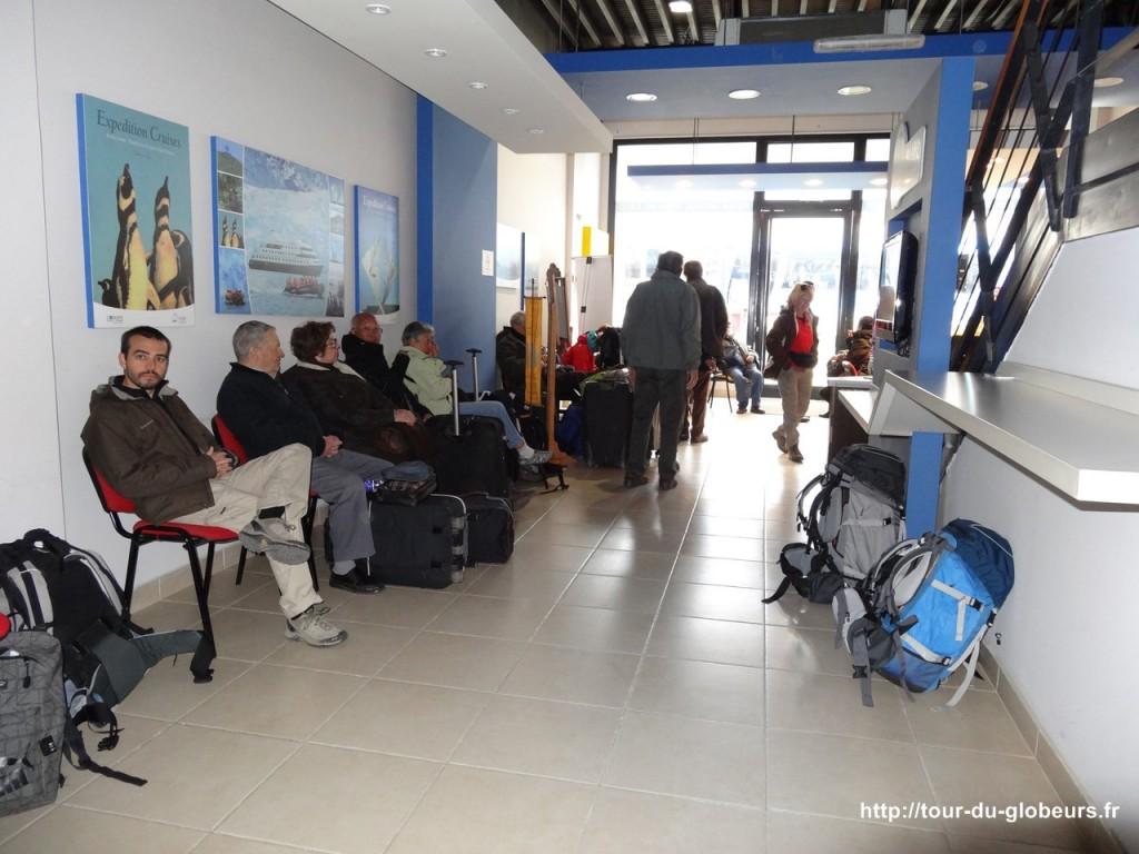 Argentine - Ushuaïa - Attente du départ du bus