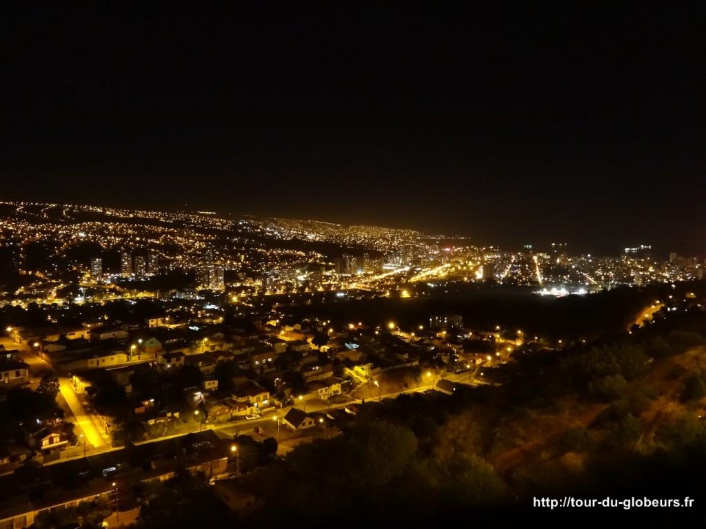 Chili - Vina del Mar - Vue sur la baie de Valparaiso by night