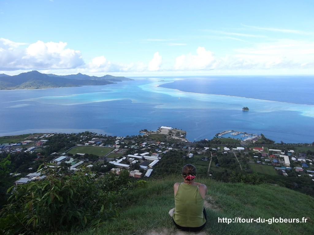 Raiatea - Point de vue Mont Tapioi sur le lagon, au fond à gauche Tahaa