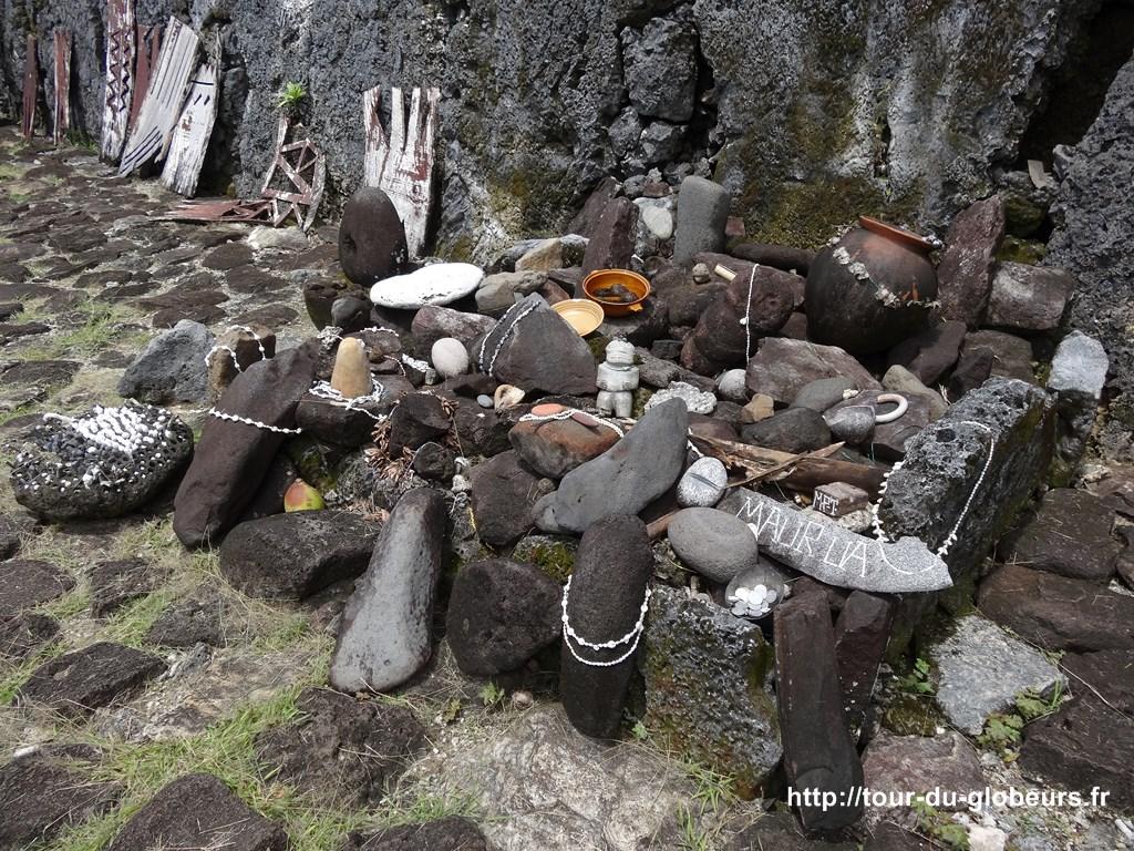 Raiatea - Marae Taputapuatea - Offrandes