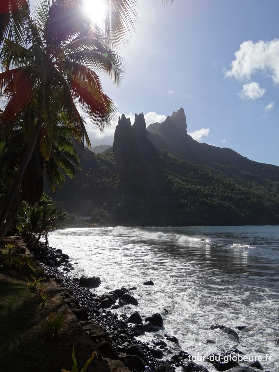 Marquises - Nuku Hiva - Pics rocheux