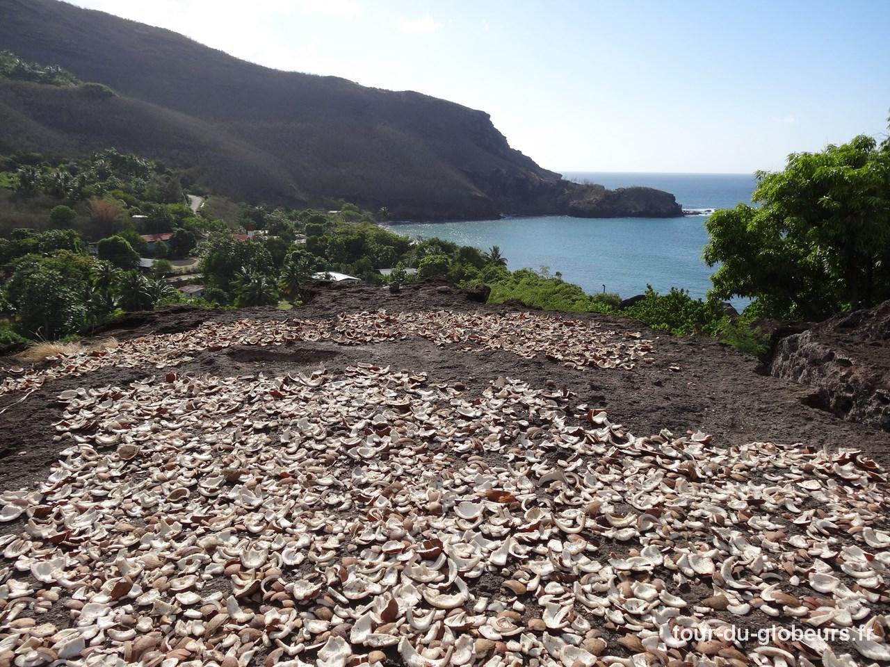 Marquises - Ua Pou - Séchoir à Coprah à Hakahetau