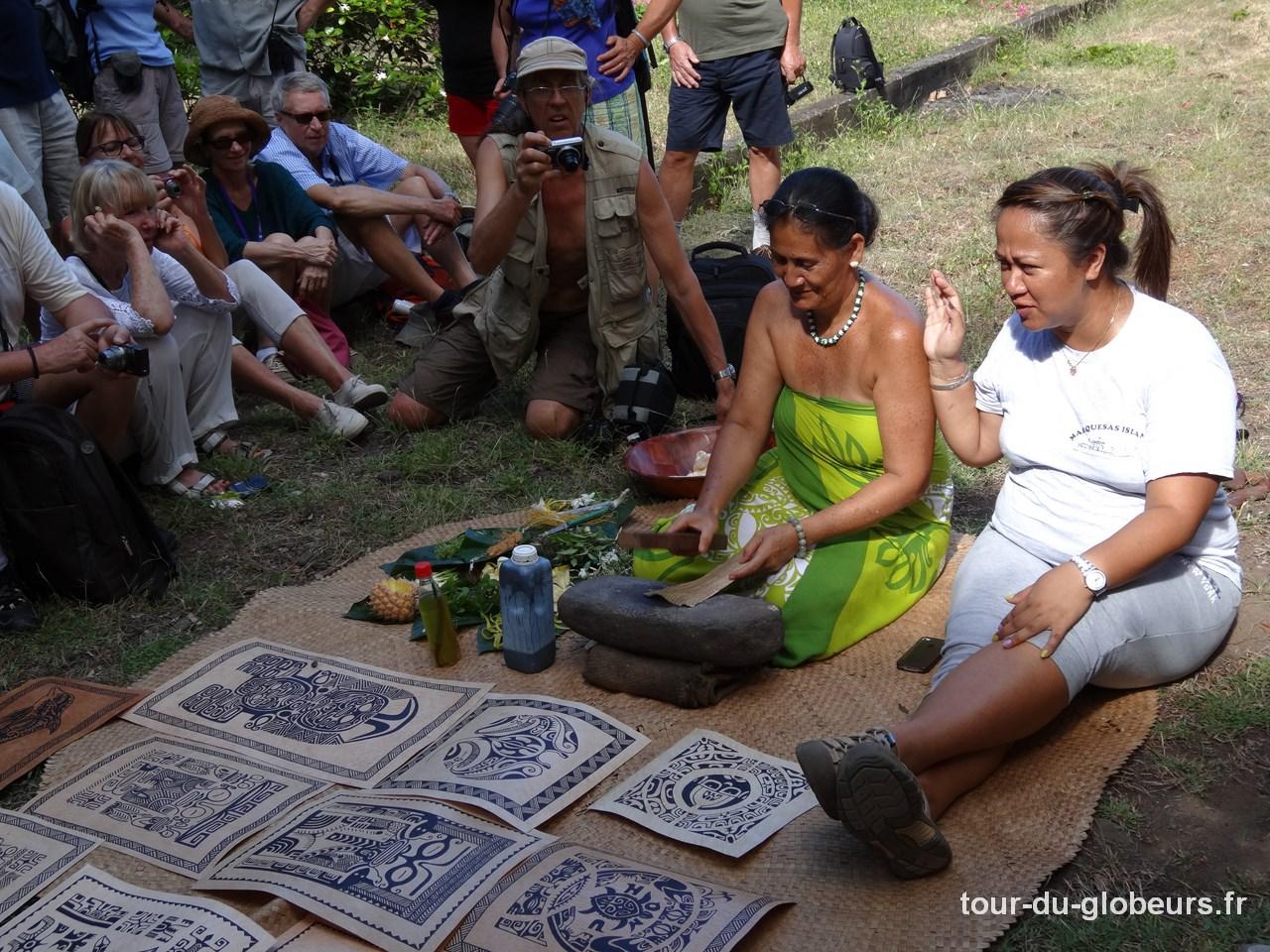 Marquises - Fatu Hiva - Omoa - Fabrication du Tapa