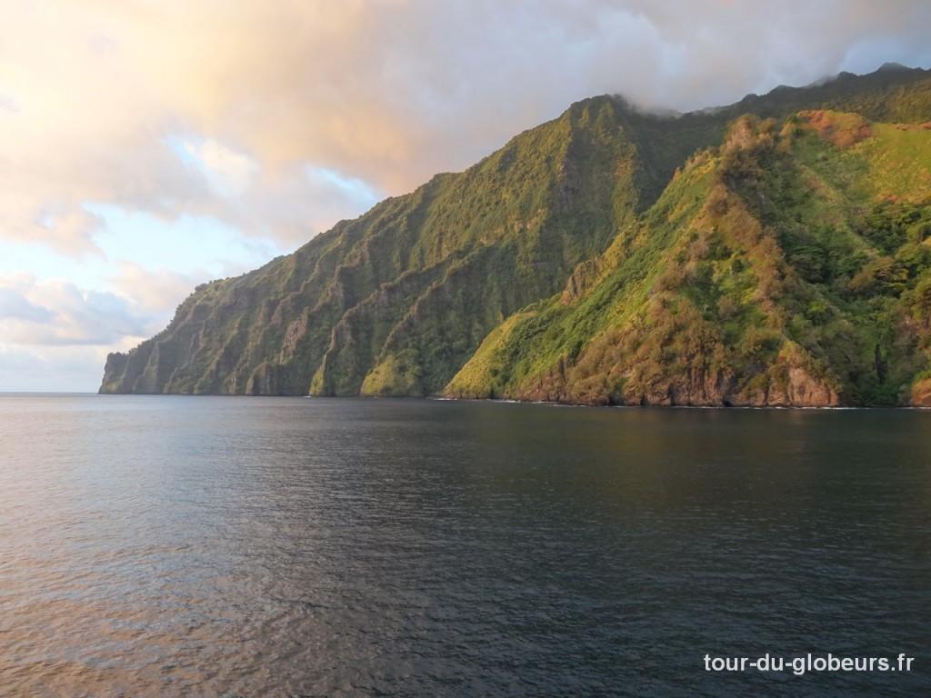 Marquises - Aranui - Coucher de soleil sur Fatu Hiva