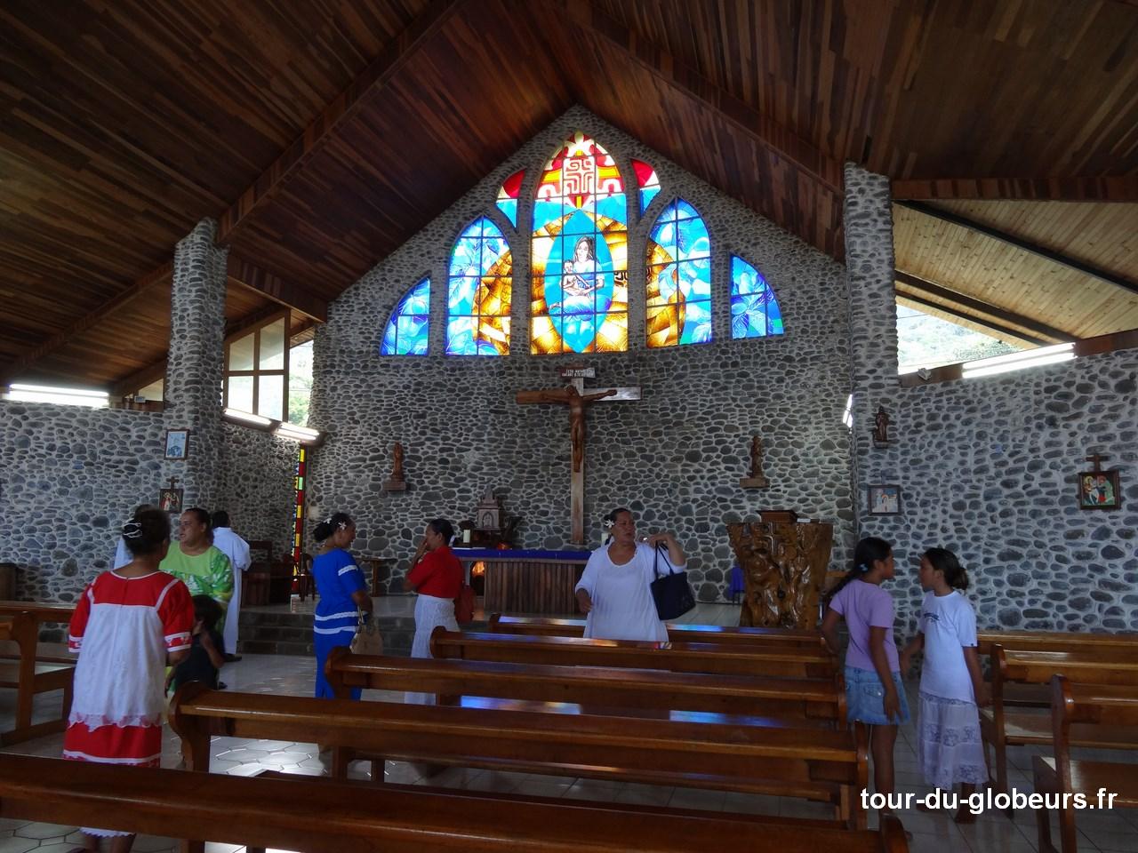 Marquises - Tahuata - Intérieur église de Vaitahu