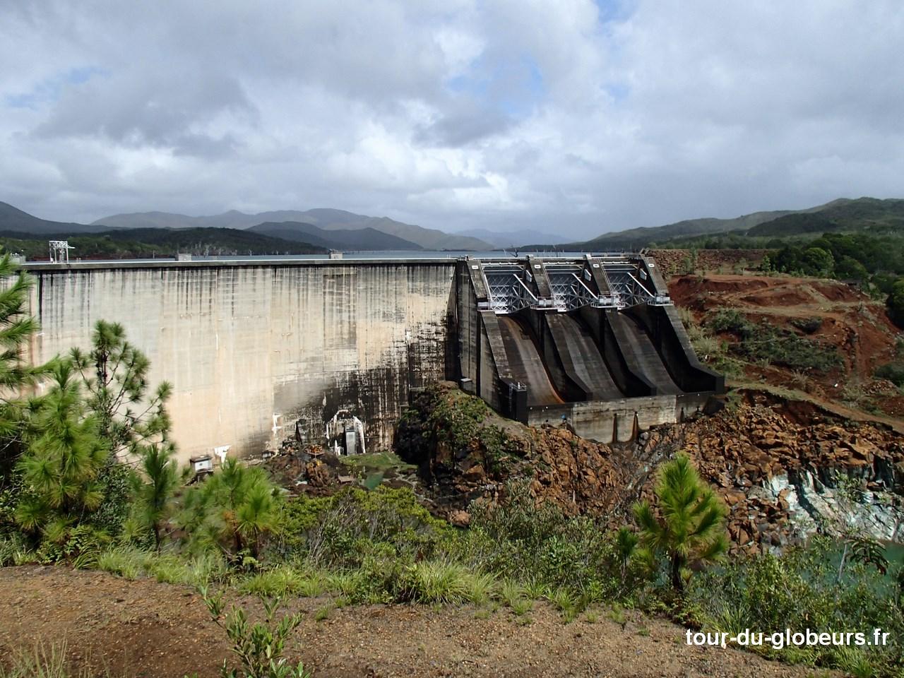 Nle - Calédonie - Nouméa - Barrage Yaté